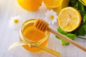 Apa cu lamaie si miere - Beneficii pentru santate- NaturaMed