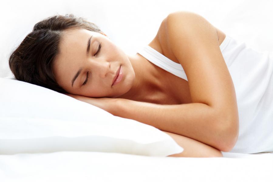 dormind în scăderea în greutate cameră rece